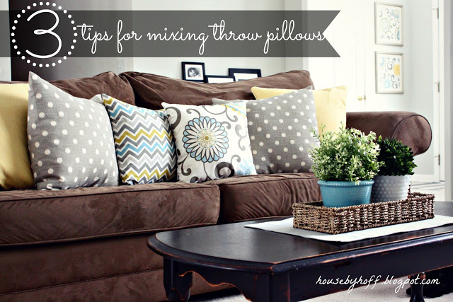 3 tips how to mix throw pillows graphic.