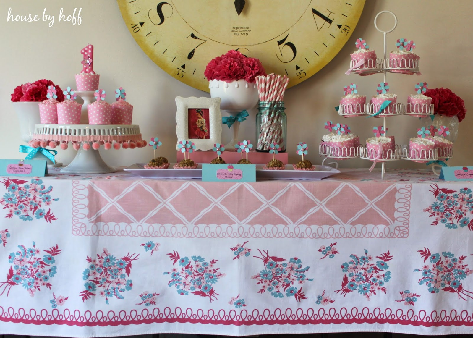 tips for photographing your child's birthday party via housebyhoff.com