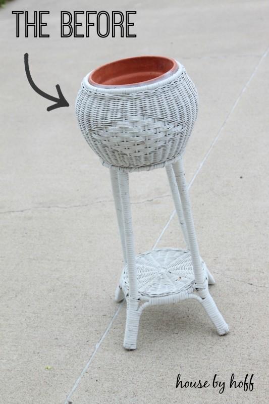spray painted summer planter via housebyhoff.com