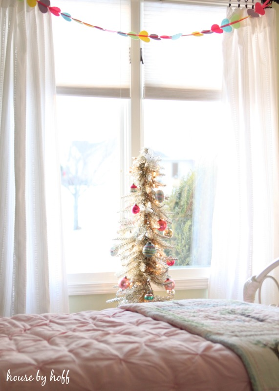 Vintage Christmas Tree via House by Hoff 4