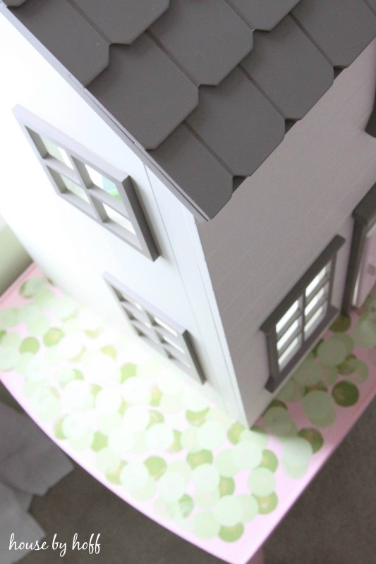 How to Make a Dollhouse Table From An Old Coffee Table via House by Hoff2