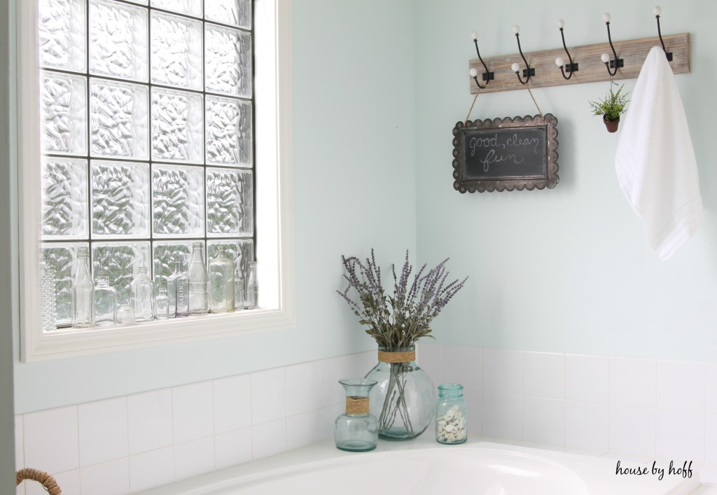Decorating the Master Bath via House by Hoff