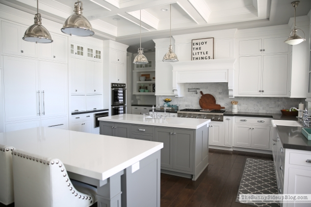 Gray and White Kitchen Dreaming House by Hoff – House White Kitchen