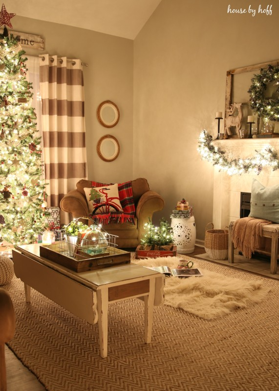 Christmas Home Tour at Night via House by Hoff3