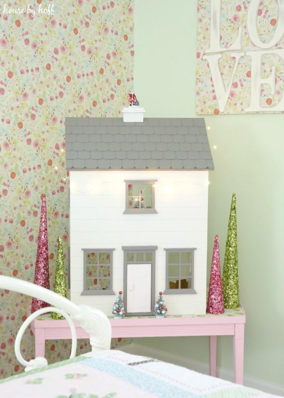 Little Girl's Room for Christmas via House by Hoff