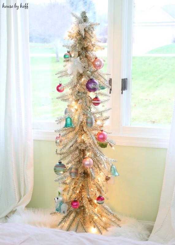 Little Girl's Room for Christmas via House by Hoff3
