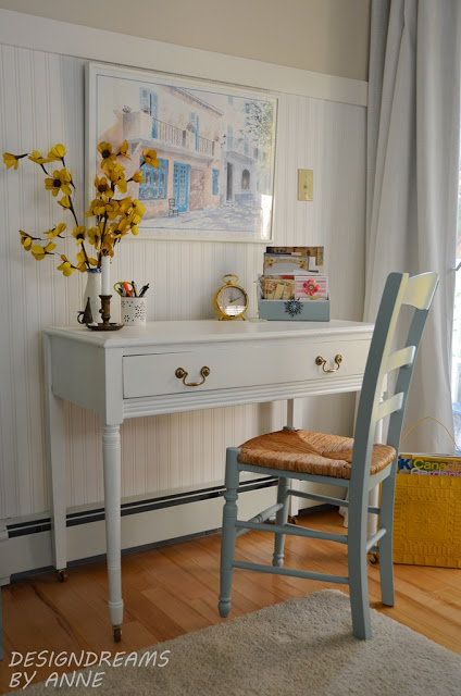 Simply White writing table