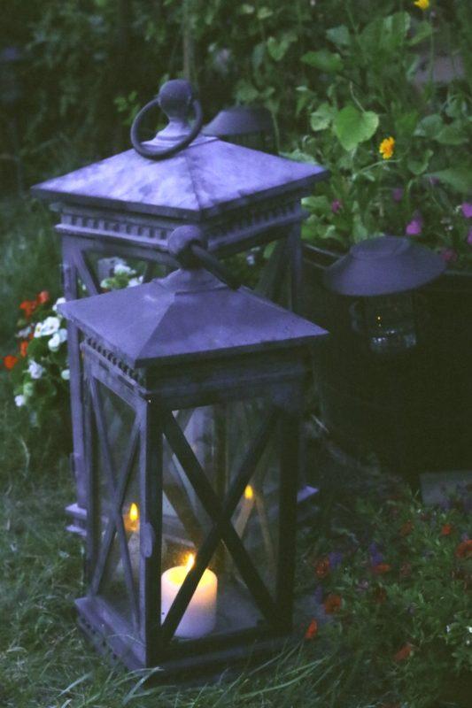 Lanterns-on-lawn-three