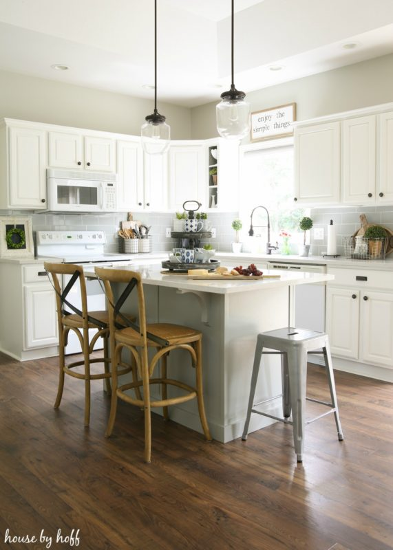 farmhouse kitchen paint colors