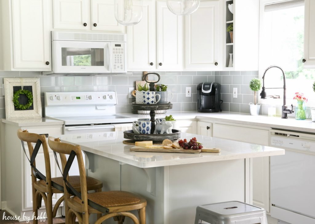 Modern Farmhouse Kitchen a modern farmhouse kitchen makeover - househoff
