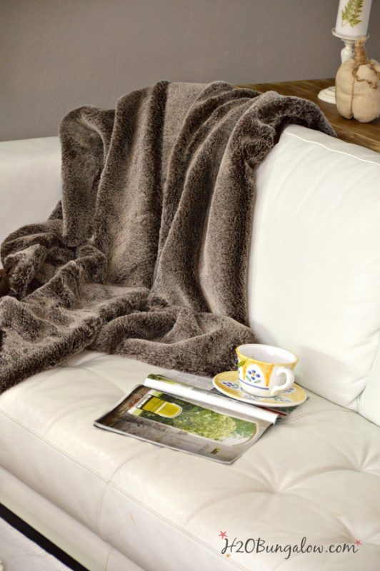 make-faux-fur-throw-h2obungalow