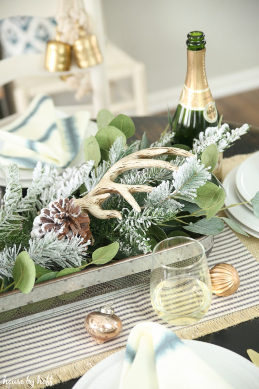 Winter Wonderland Tablescape via House by Hoff