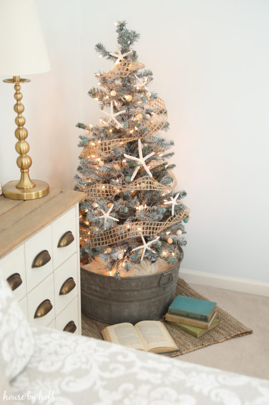 DIY Flocked Christma Tree via House by Hoff