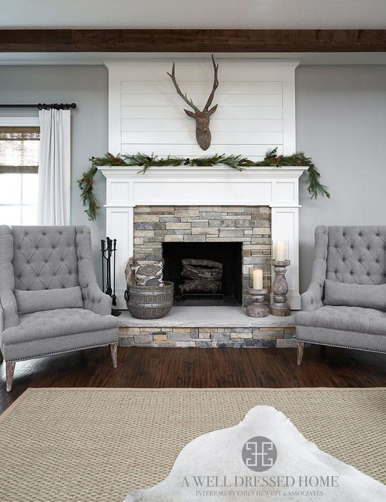 Classic Design Flanking A Fireplace With Accent Chairs House By Hoff