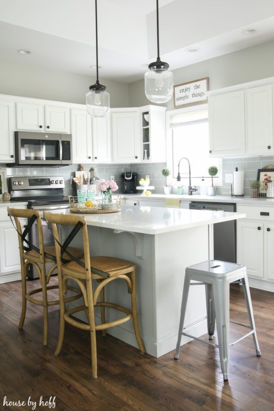 Simple Summer Kitchen via House by Hoff