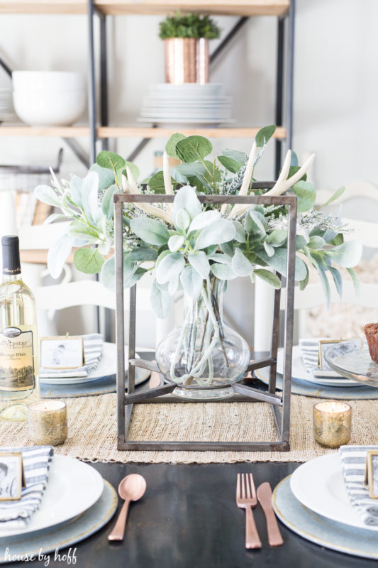 How to Create a Beautiful Winter Centerpiece via House by Hoff