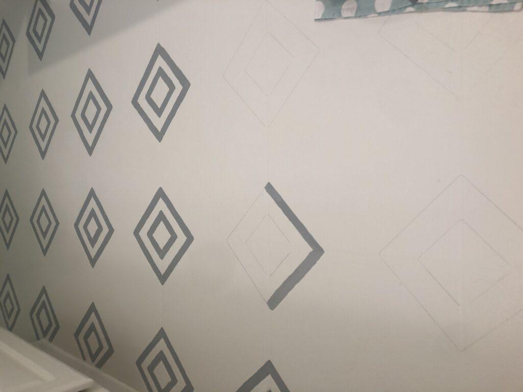 Stenciling the bathroom floor