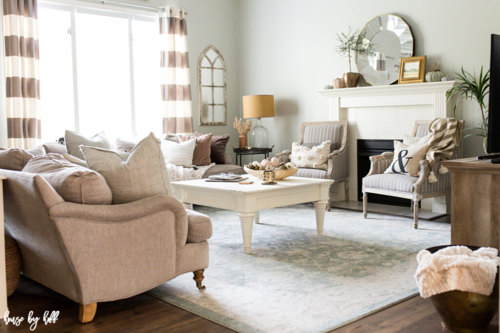 Simple and Neutral Early Fall Decor