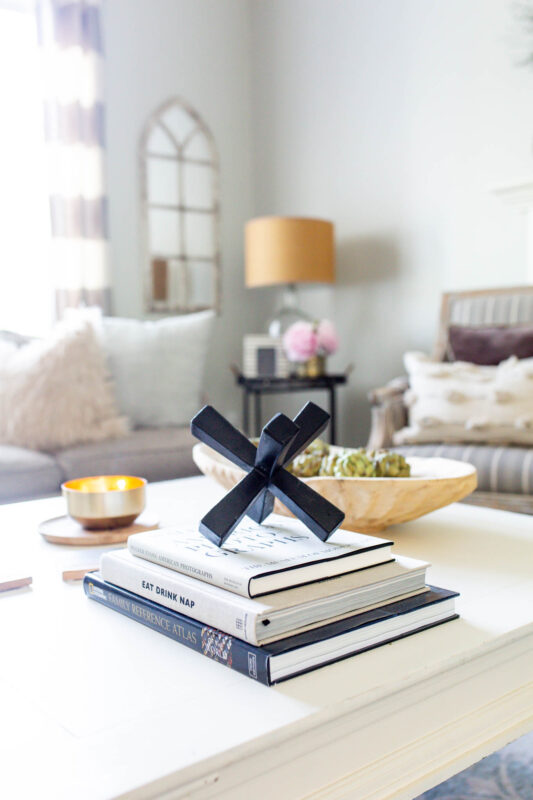 Coffee table with black and white decor